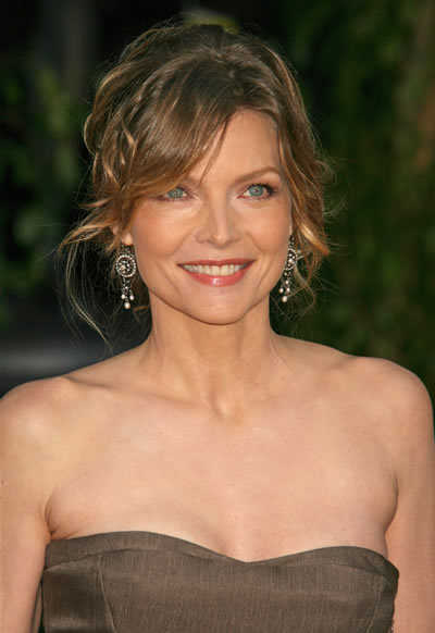 Michelle Pfeiffer Messy Updo Hairstyle Sag Awards Bisous
