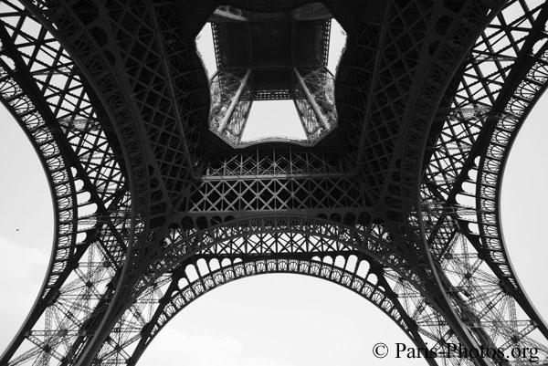 eiffel-tower_02