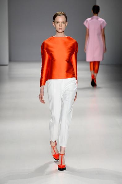 Taoray+Wang+Runway+Mercedes+Benz+Fashion+Week+cjkGD-Or46Pl