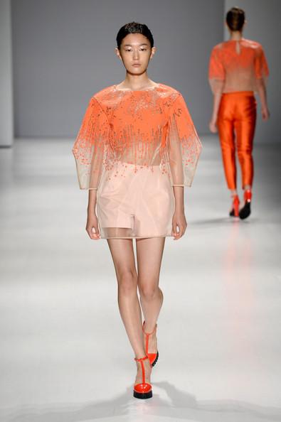Taoray+Wang+Runway+Mercedes+Benz+Fashion+Week+fad1S1MVCNfl