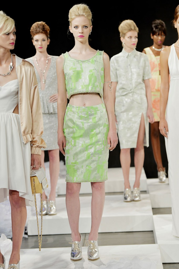 saunder-fashion-show-spring-2015-the-impression-003-681x1024