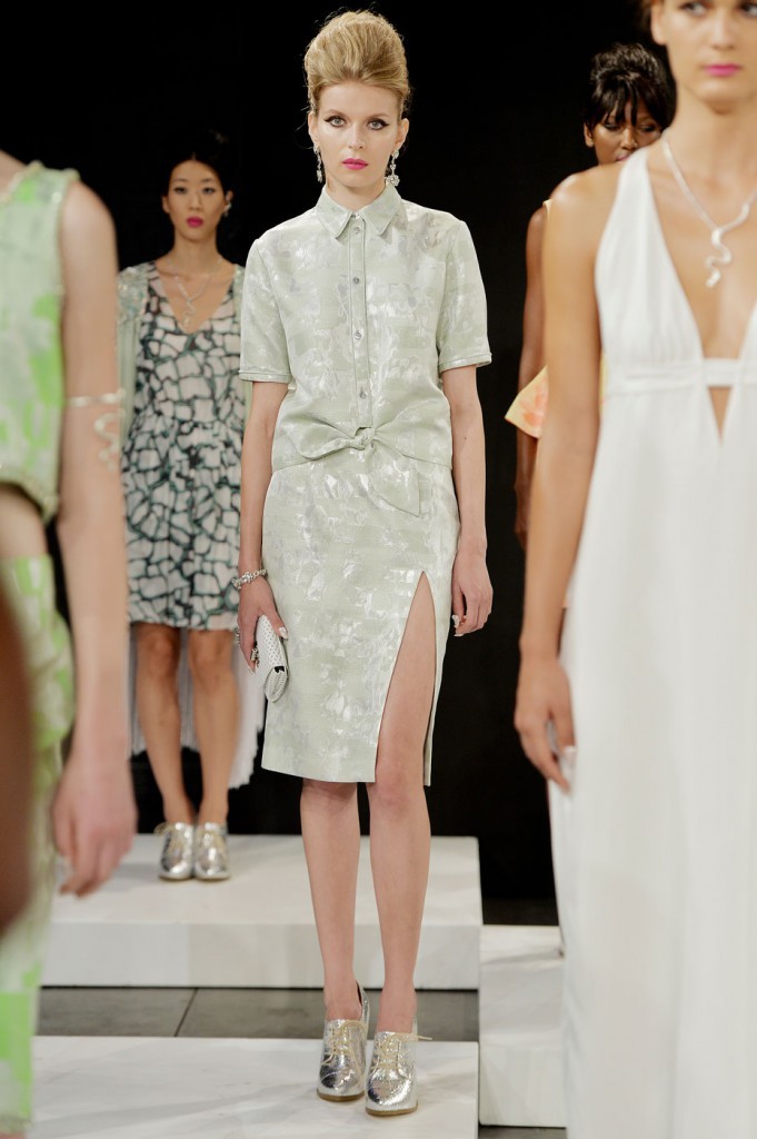 saunder-fashion-show-spring-2015-the-impression-009-681x1024
