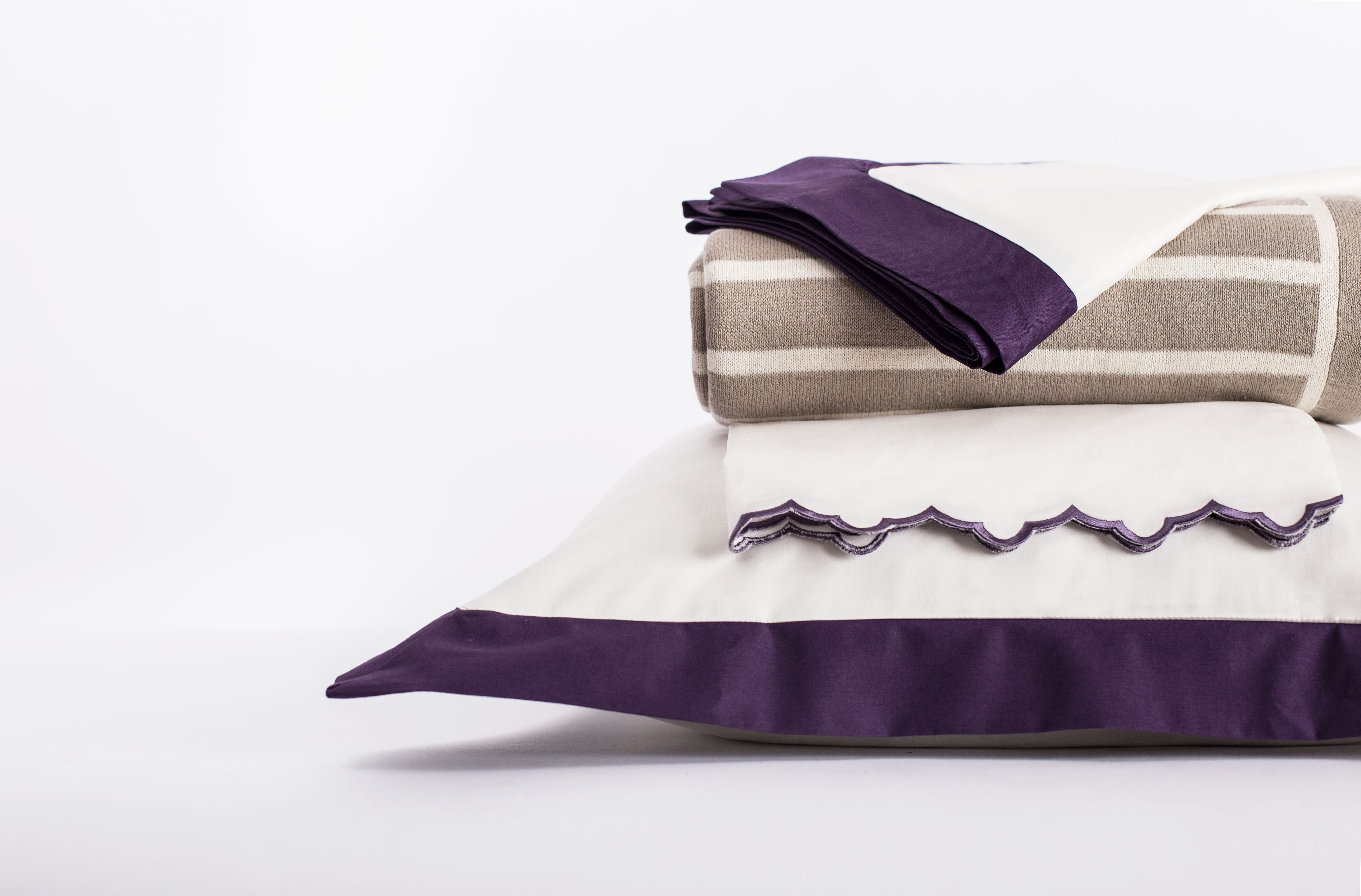 Linden Purple with Throw and Sheets