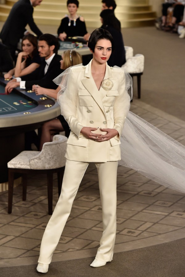 Chanel-Haute-Couture-Fall-2015