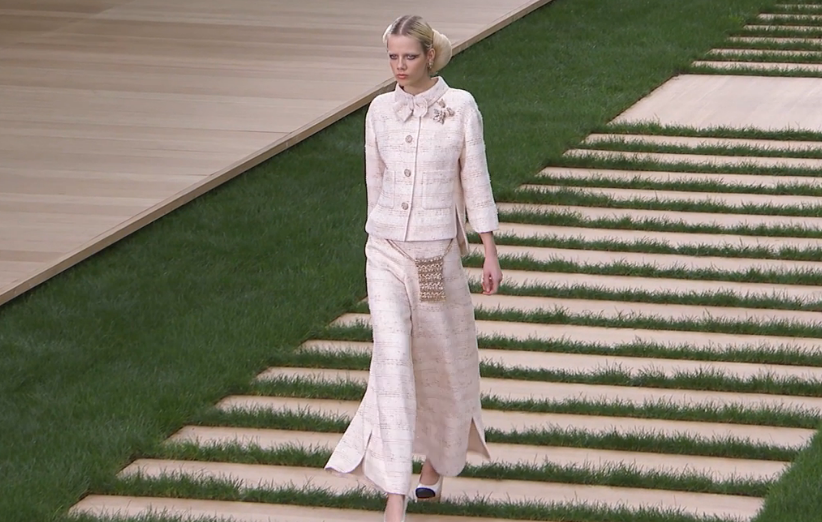 Karl! Chanel Couture show takes the cake!