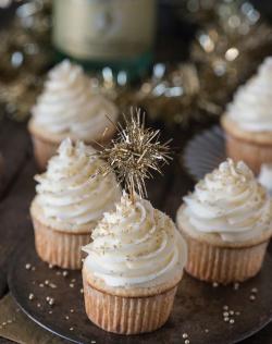 NYE champagne cupcakes!